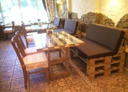 Подушки из поролона + наша мебель из поддона для летнего кафе